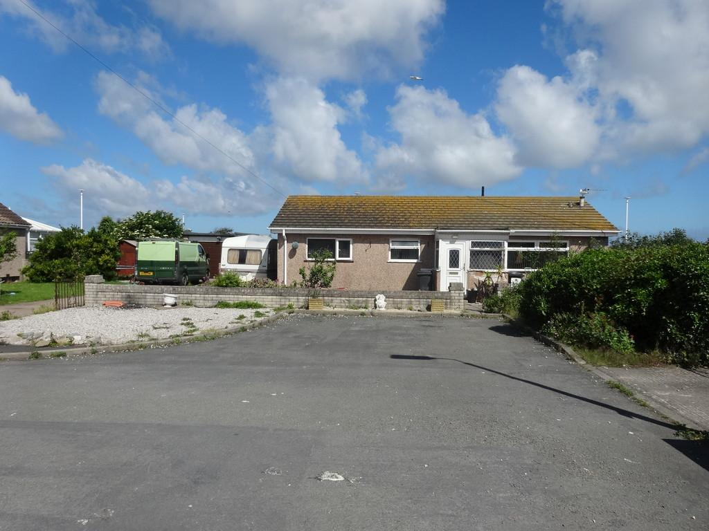3 Bedrooms Detached Bungalow for sale in Langford Drive, Kinmel Bay