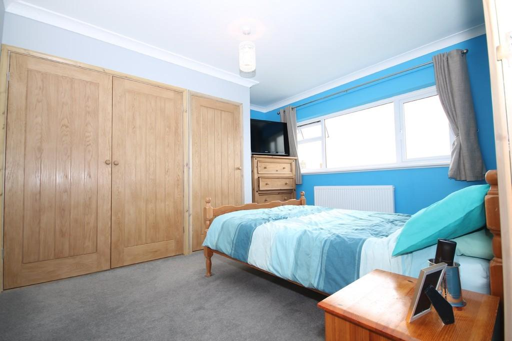 2 Bedrooms Apartment Flat for sale in Sompting Road, Lancing, BN15 9HH