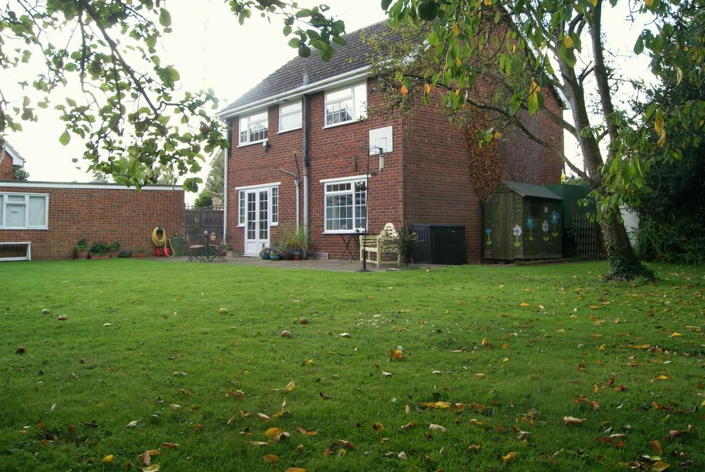 4 Bedrooms Detached House for sale in Garner Close, Northill