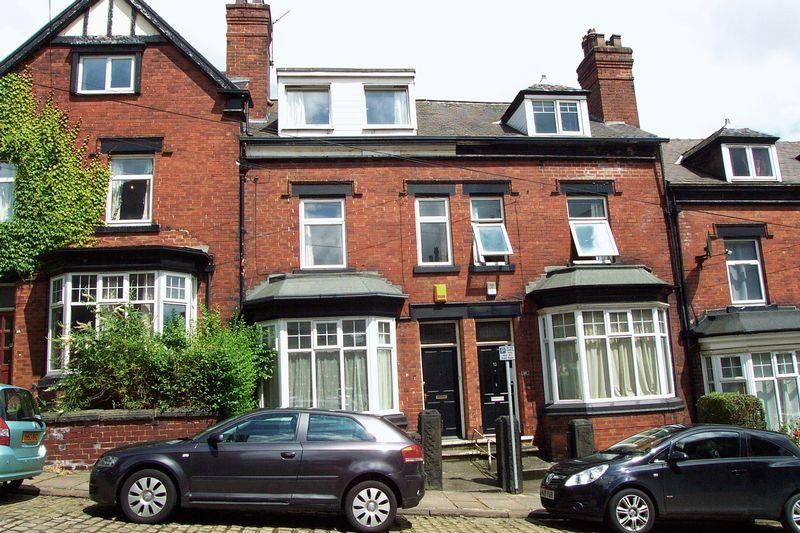 5 Bedrooms Terraced House for sale in Claremont Avenue, Leeds