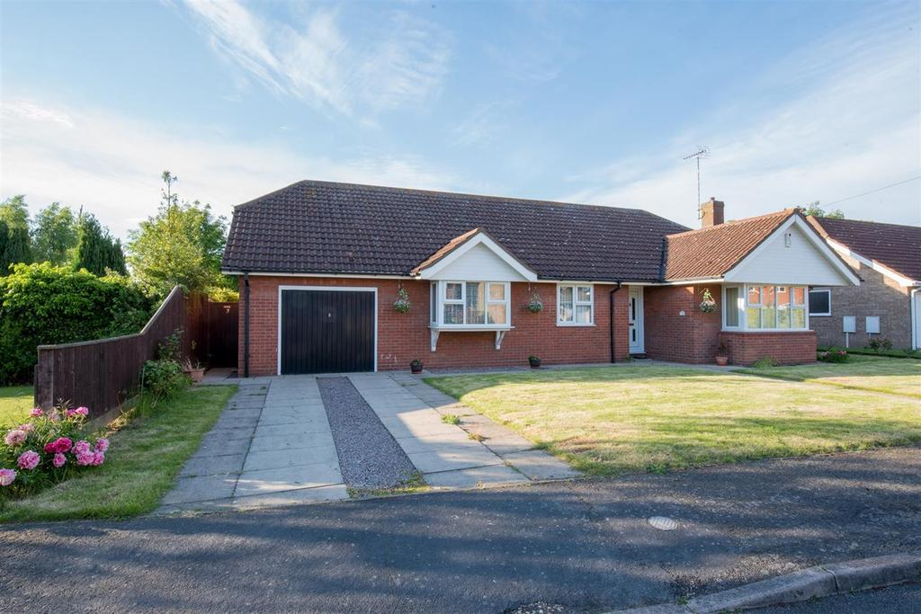 3 Bedrooms Detached Bungalow for sale in Fenland Walk, Holbeach, PE12