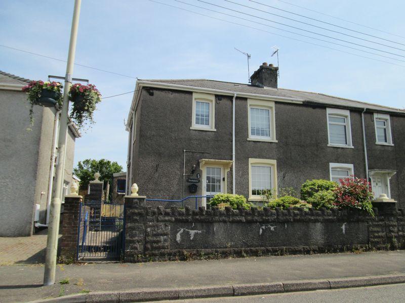 3 Bedrooms Semi Detached House for sale in Heol Ganol Sarn Bridgend CF32 9PG