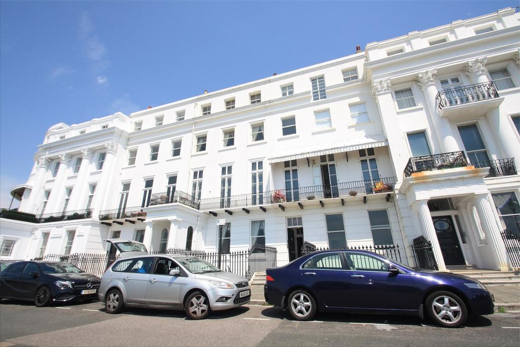 2 Bedrooms Apartment Flat for sale in Arundel Terrace, Brighton, BN2