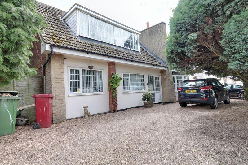4 Bedrooms Detached House for sale in Burringham Road, Scunthorpe