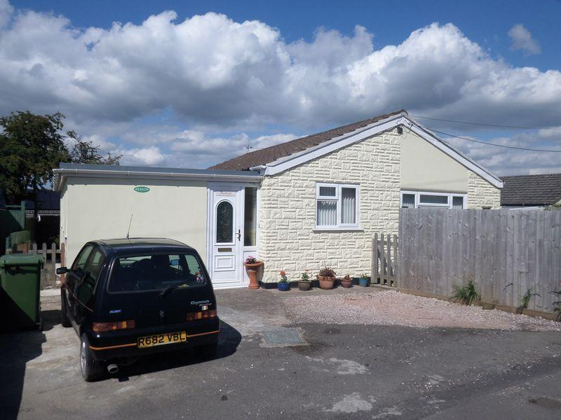 3 Bedrooms Detached Bungalow for sale in Alverdiscott Road, Bideford