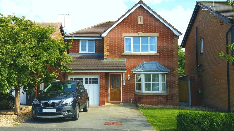 3 Bedrooms Detached House for sale in Llys Conwy, Kinmel Bay