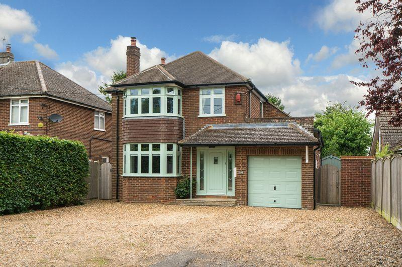 4 Bedrooms Detached House for sale in Common Road, Kensworth