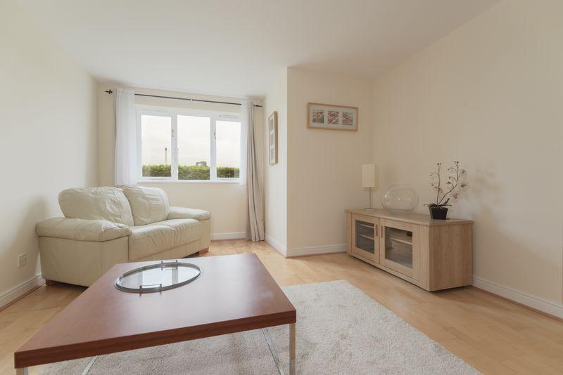 2 Bedrooms Apartment Flat for sale in Harlinger Street, Woolwich, SE18