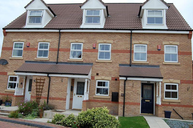 3 Bedrooms Mews House for sale in Falcon Grove, Gainsborough, DN21 1GQ