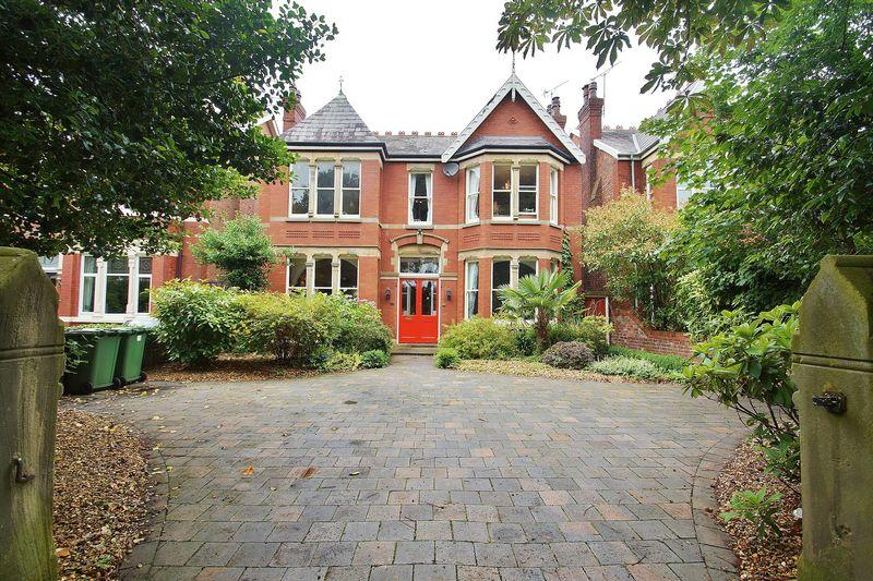 6 Bedrooms Detached House for sale in Curzon Road, Southport