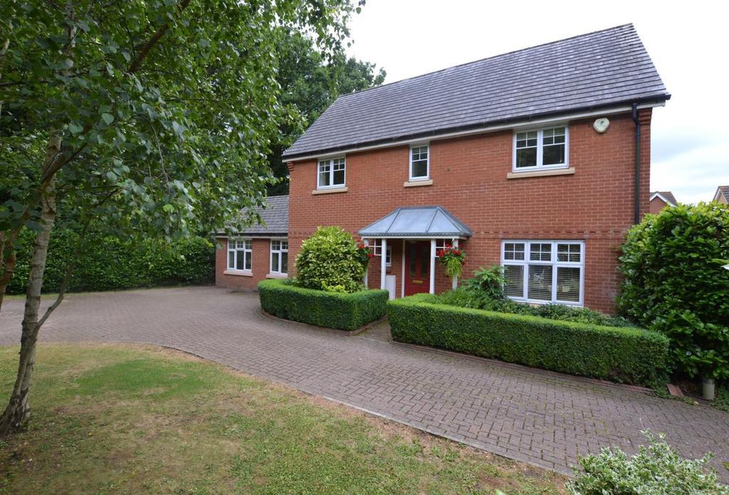 4 Bedrooms Detached House for sale in Regent Drive, Billericay, Essex, CM12