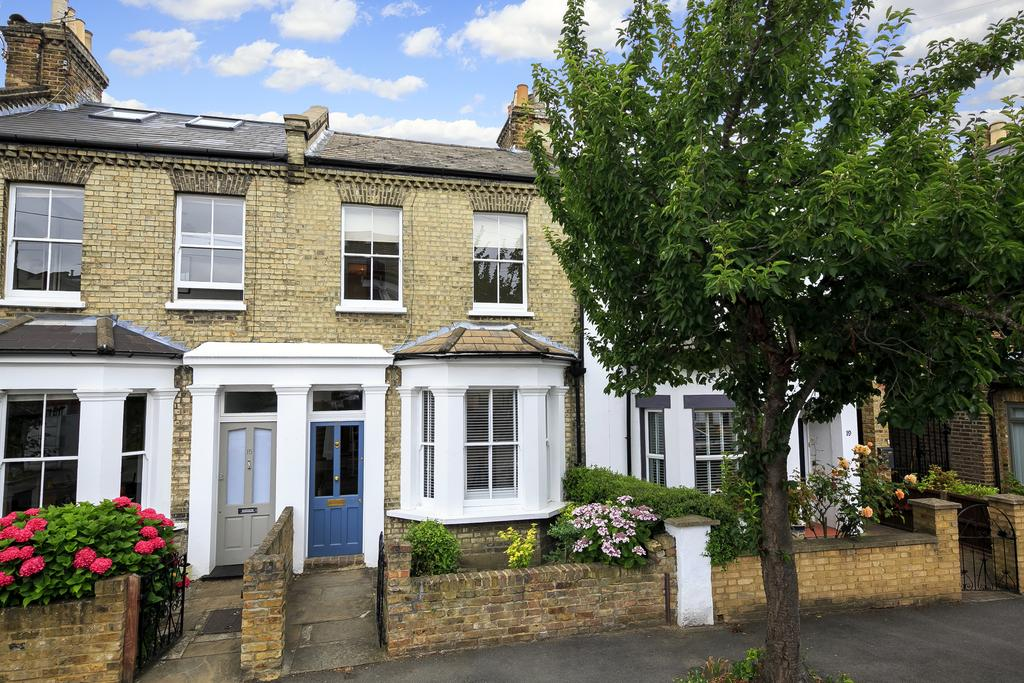 2 Bedrooms House for sale in Saville Road, London