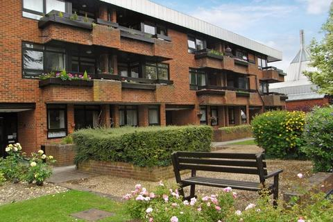 2 bedroom apartment to rent - Carlisle Avenue, St Albans