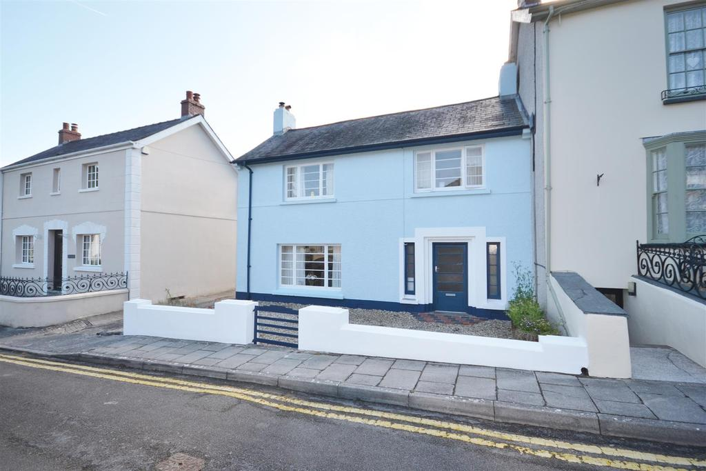 5 Bedrooms Semi Detached House for sale in Llansteffan