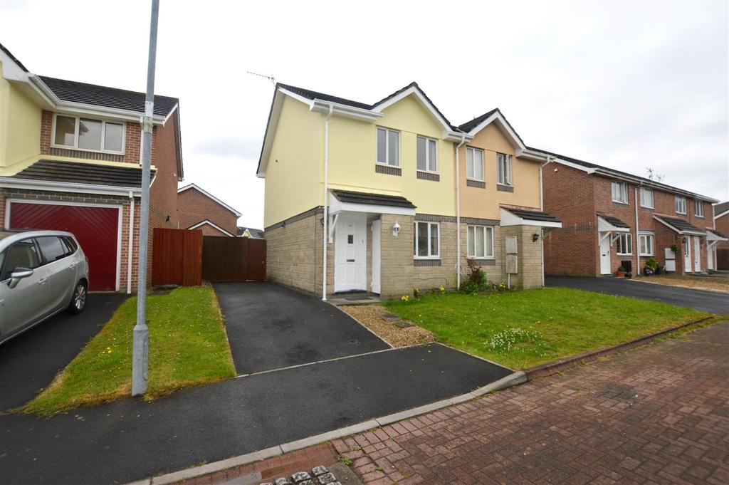 2 Bedrooms Semi Detached House for sale in The Mariners, Llanelli