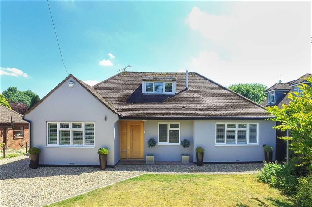 4 Bedrooms Detached Bungalow for sale in Singlets Lane, Flamstead, Hertfordshire, AL3