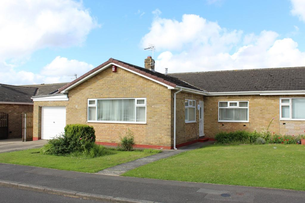 3 Bedrooms Bungalow for sale in Saltney Road, The Glebe, Norton, TS20