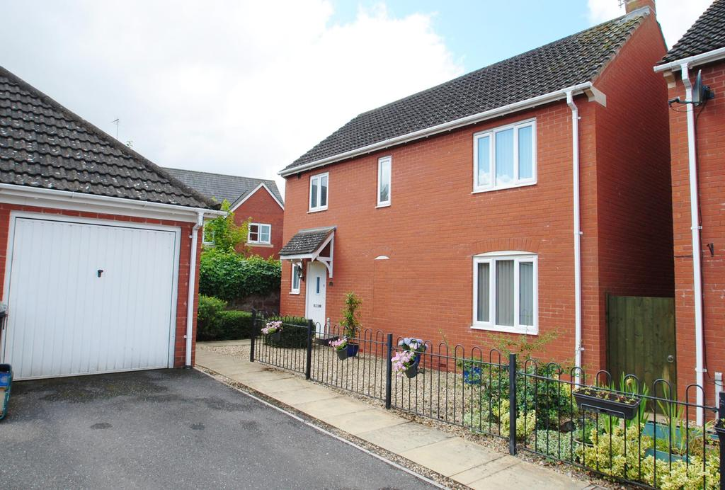 3 Bedrooms Detached House for sale in Merrifields, Cotford St. Luke