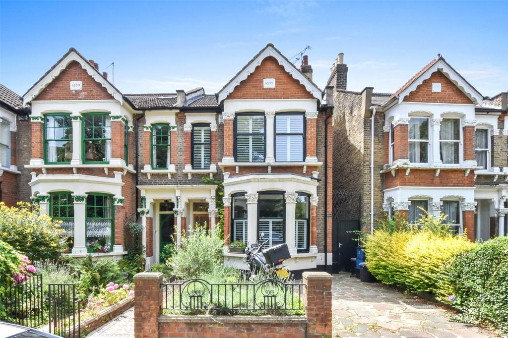 4 Bedrooms House for sale in Spratt Hall Road, London, E11