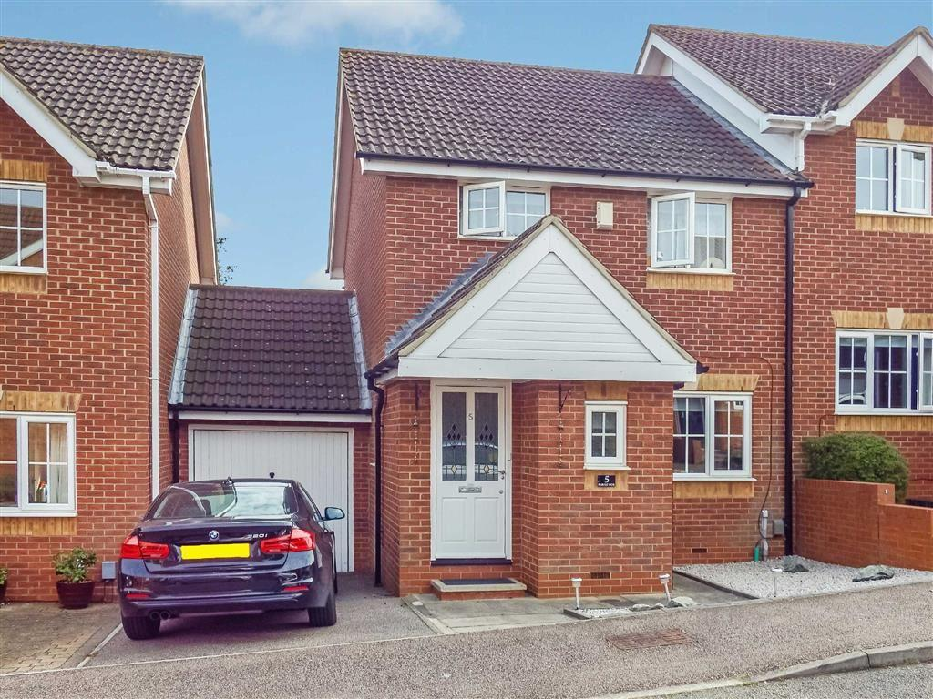 3 Bedrooms Semi Detached House for sale in Harvest Lane, Stevenage, Hertfordshire, SG2