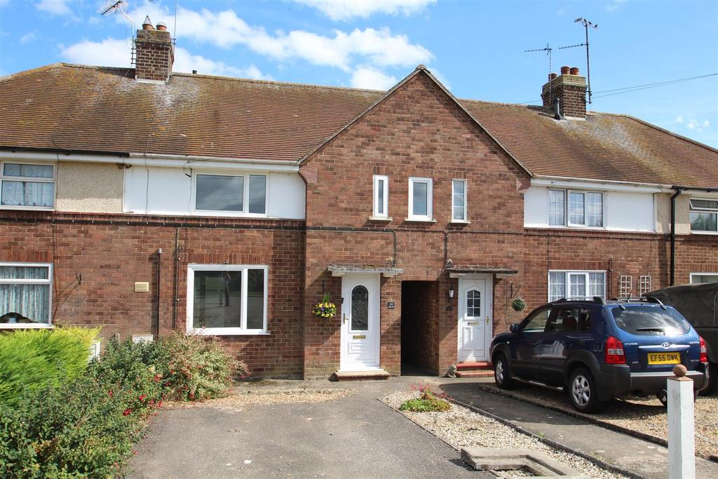 3 Bedrooms Terraced House for sale in Bridge Road, Cosgrove, Milton Keynes