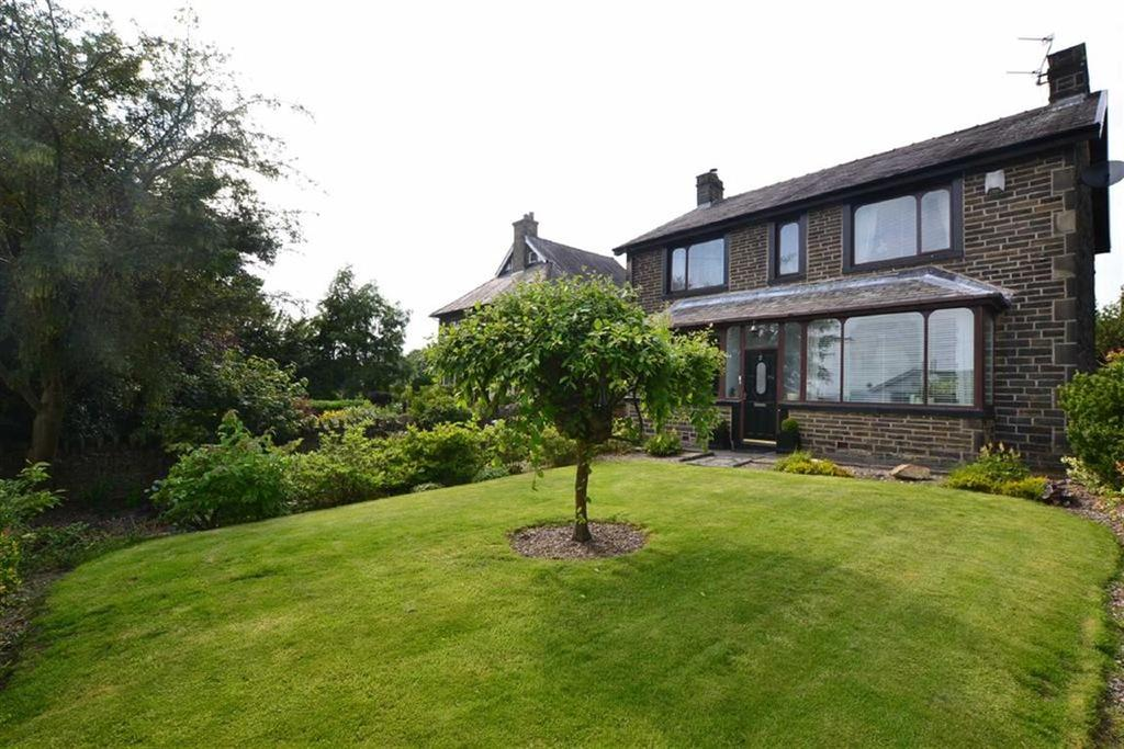 3 Bedrooms Detached House for sale in Briercliffe Road, Burnley, Lancashire