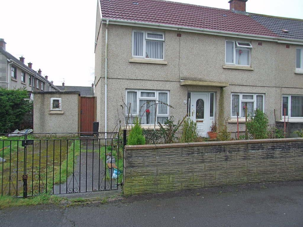 3 Bedrooms Semi Detached House for sale in Iscoed, Llanelli
