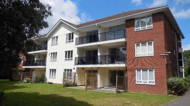 2 Bedrooms Flat for rent in 39 Cavendish Road, Bournemouth BH1