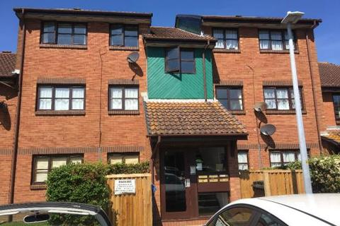 2 bedroom flat to rent - Poole BH15