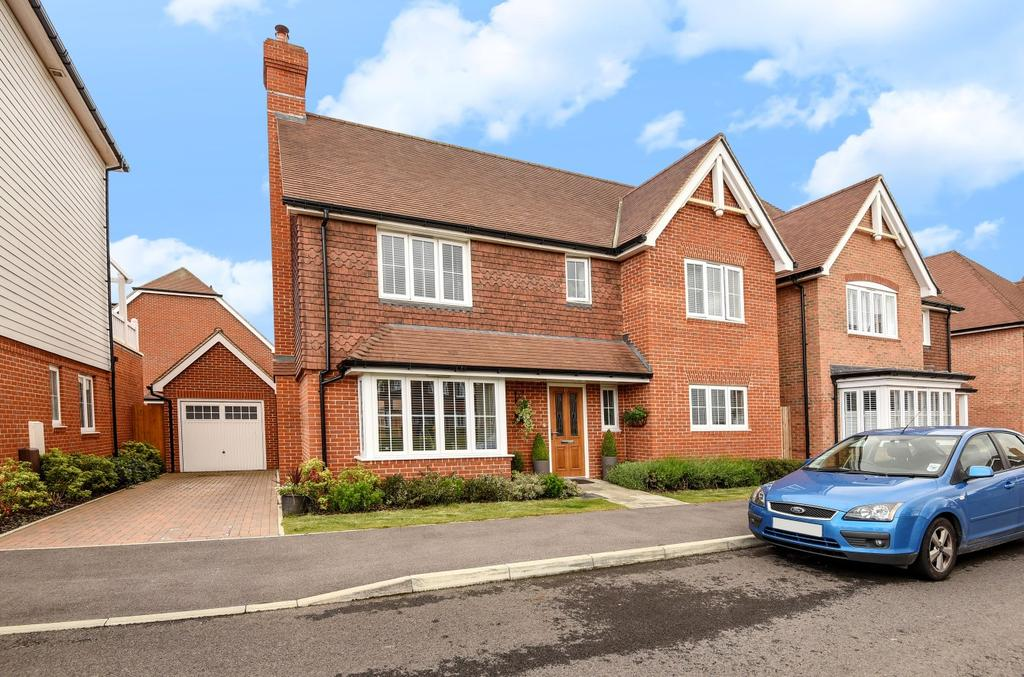 4 Bedrooms Detached House for sale in Sonning Crescent, Bersted Park, Bognor Regis, PO21