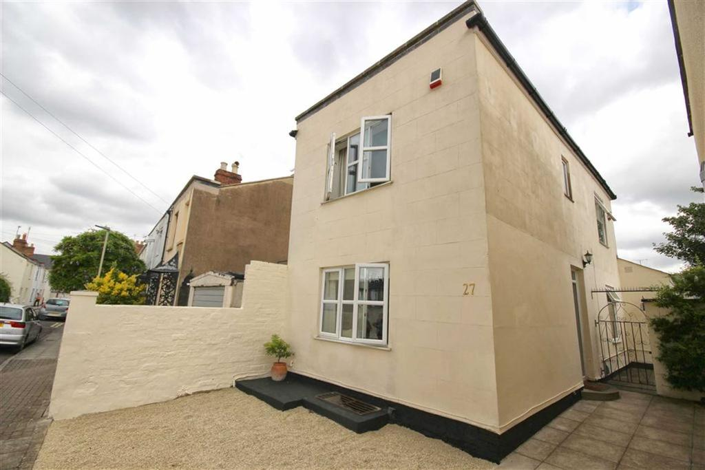 2 Bedrooms Detached House for sale in Larput Place, St Pauls, Cheltenham, GL50