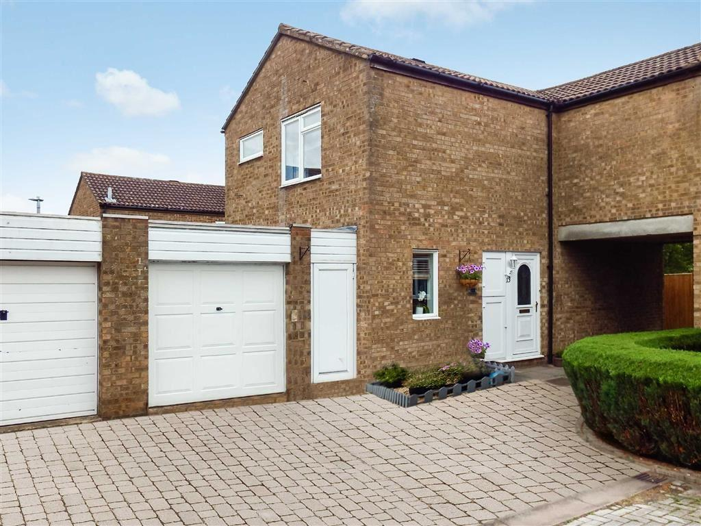 3 Bedrooms Semi Detached House for sale in Shoreham Close, Stevenage, Hertfordshire, SG1
