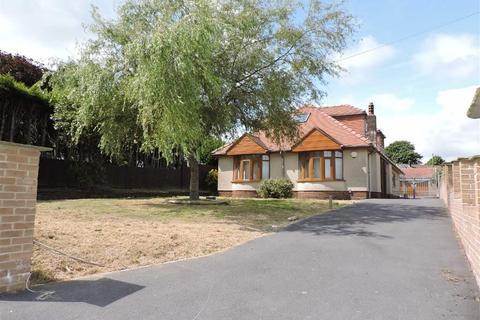 4 bedroom detached bungalow for sale - Penlan Road, Treboeth