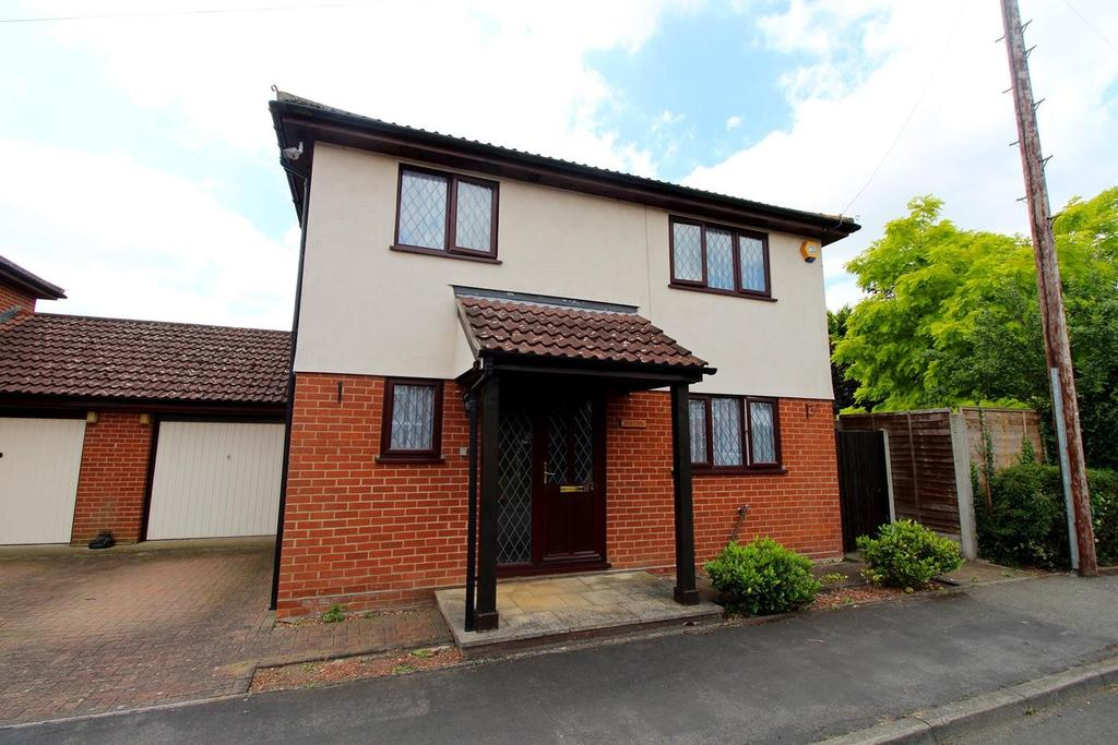 3 Bedrooms Detached House for sale in Fullers Close, Kelvedon, Colchester, CO5