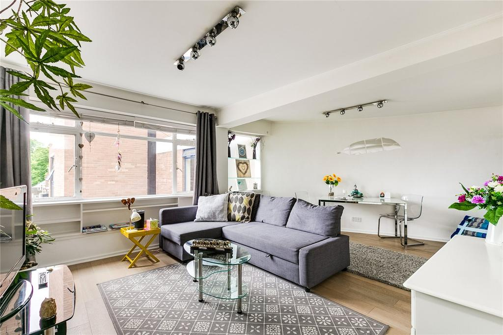 1 Bedroom Flat for sale in Hereford House, 11 Ovington Gardens, Knightsbridge, London