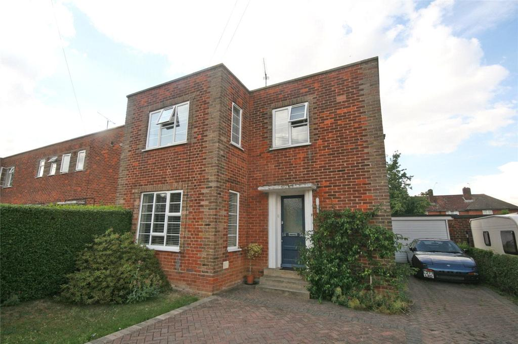 1 Bedroom Flat for sale in Four Acres, Welwyn Garden City, Hertfordshire