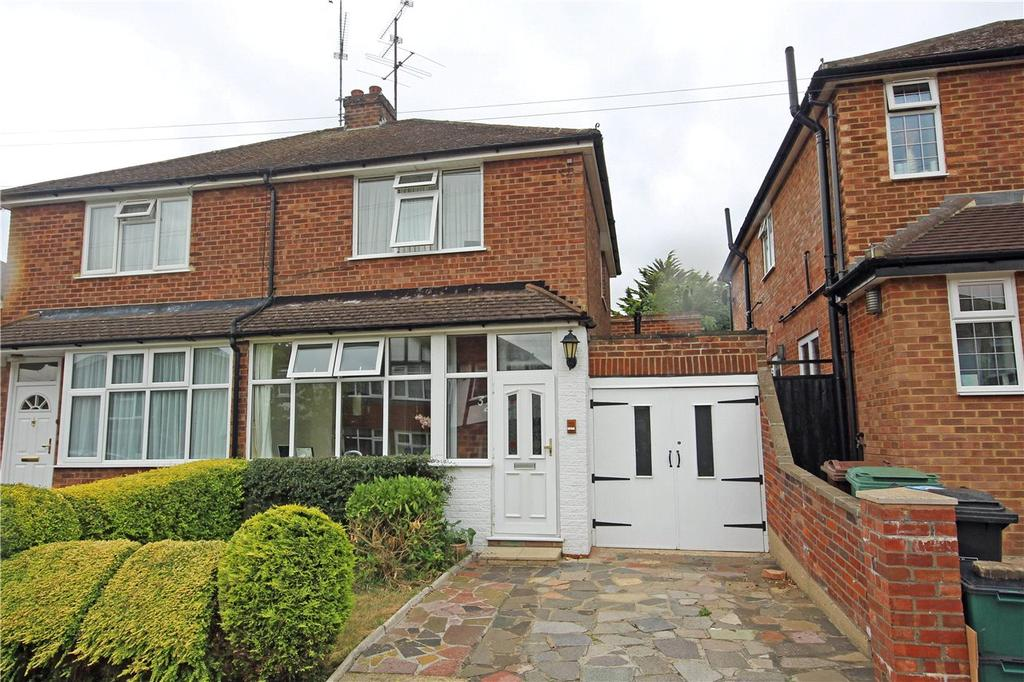 2 Bedrooms Semi Detached House for sale in Holly Walk, Harpenden, Hertfordshire