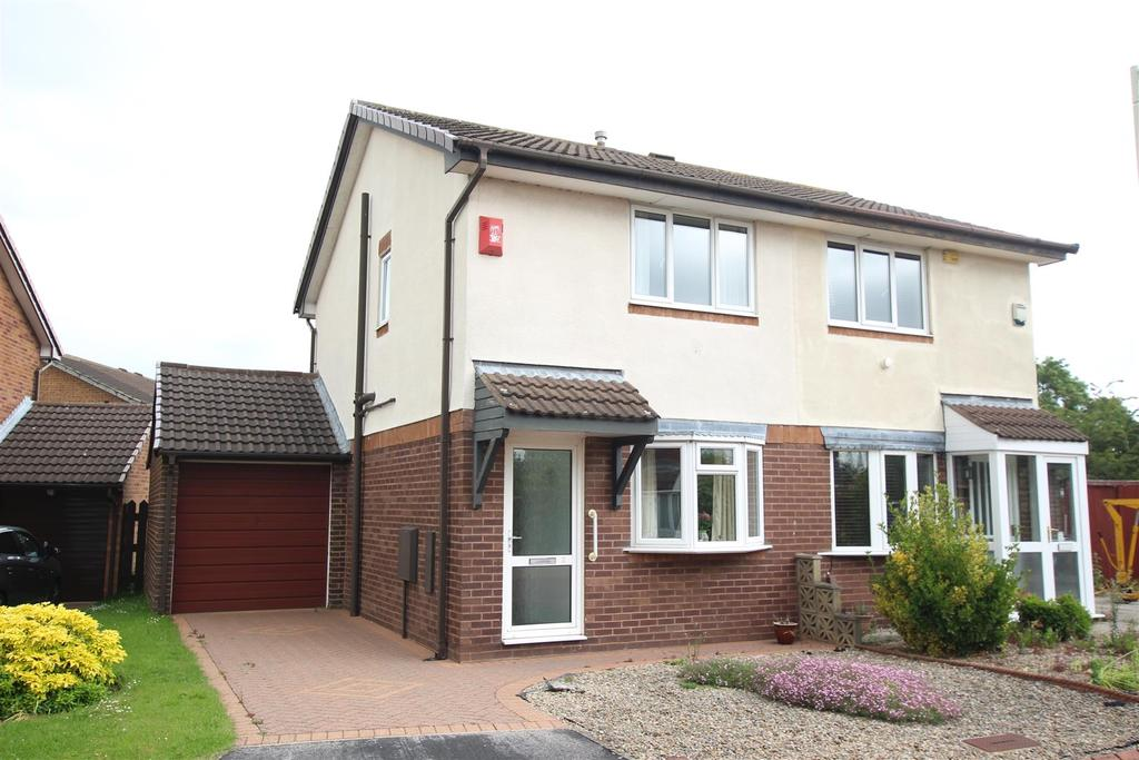 2 Bedrooms Semi Detached House for sale in Windrush Grove, Darlington