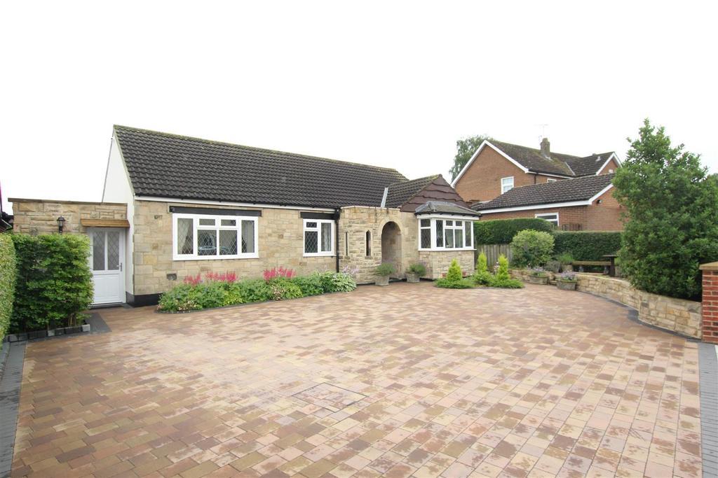 3 Bedrooms Detached Bungalow for sale in Elmfield Road, Hurworth