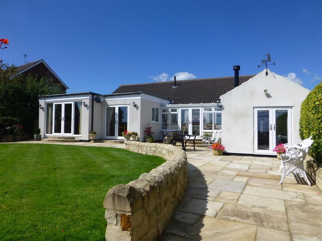 4 Bedrooms Detached Bungalow for sale in Elmfield Road, Hurworth