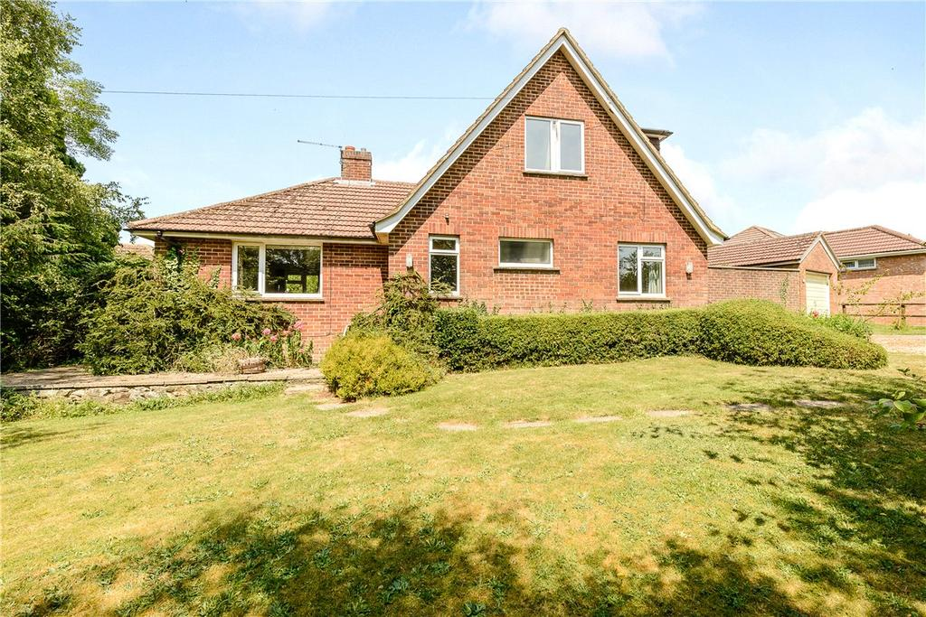 4 Bedrooms Detached Bungalow for sale in Compton Way, Winchester, Hampshire, SO22