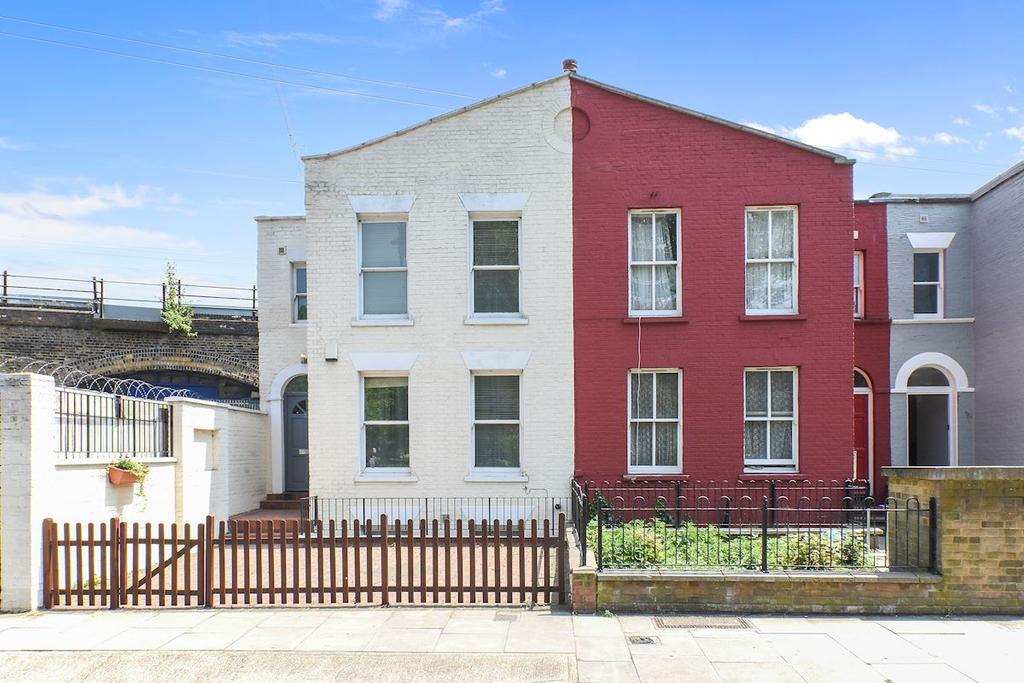 3 Bedrooms Town House for sale in London E8
