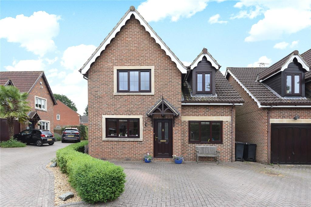 4 Bedrooms Detached House for sale in Martingale Road, Burbage, Marlborough, Wiltshire