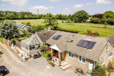 4 bedroom detached bungalow for sale - Sutton Mandeville, Wiltshire