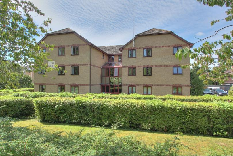 2 Bedrooms Retirement Property for sale in Mead Court, Chandlers Ford