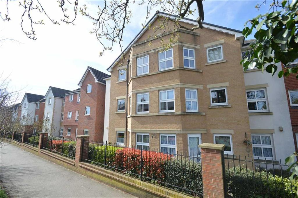 2 Bedrooms Retirement Property for sale in Coachman Court, Rochford, Essex