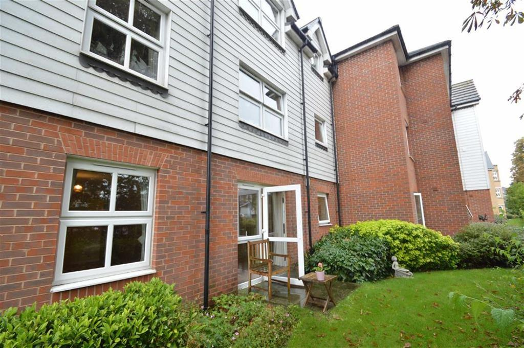 2 Bedrooms Retirement Property for sale in Coachman Court, Rochford, Essex