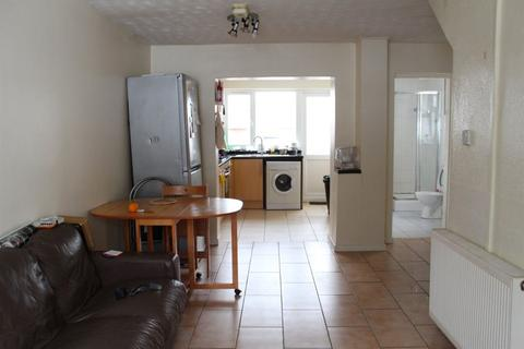 5 bedroom house to rent - 9 Leabon Grove, B17 0LE