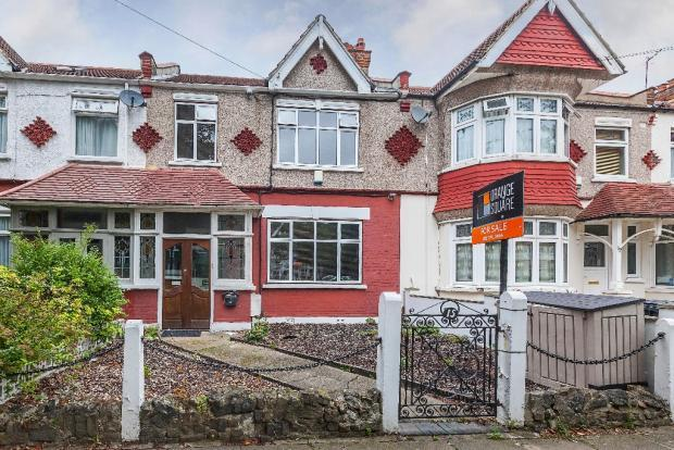 3 Bedrooms Terraced House for sale in Morrab Gardens, Ilford ig3