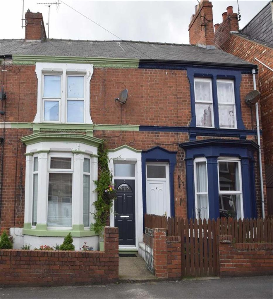 3 Bedrooms Terraced House for sale in Fairfield Road, Bridlington, East Yorkshire, YO15